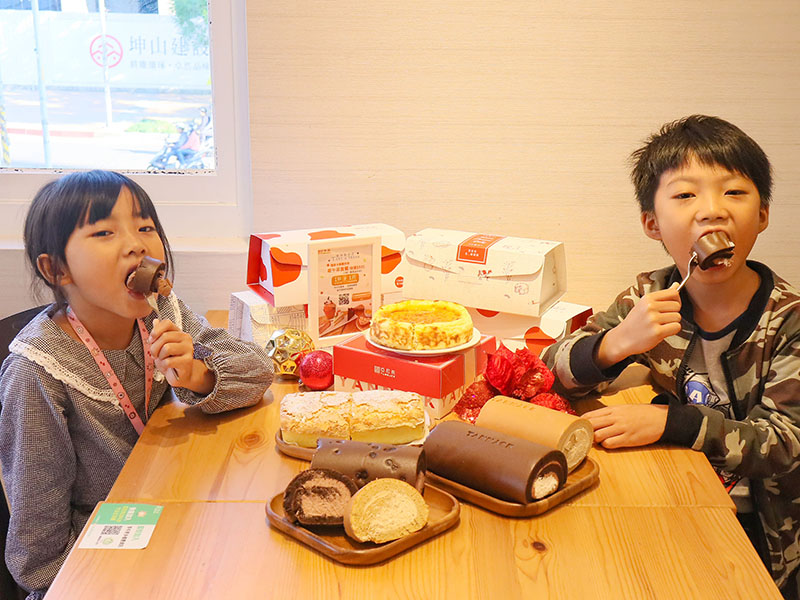 竹北亞尼克 | 新竹限定東方美人茶生乳捲,聖誕響叮噹蛋糕DIY,隨行卡APP優惠好康多
